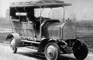 105 lat Mercedesów z napędem na cztery koła
