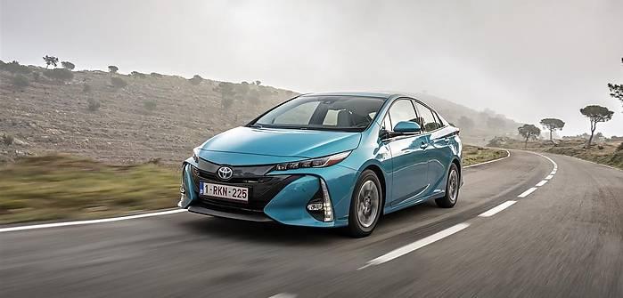 Toyota Prius Plug-in Hybrid. Ceny