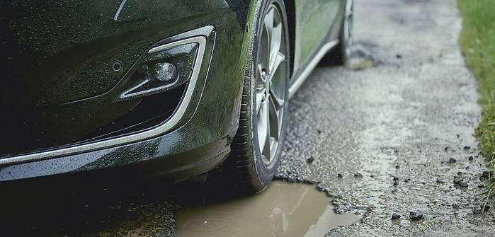 Ford Focus potrafi wykryć dziury