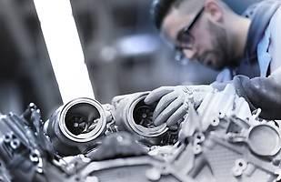 Silnik BMW V8