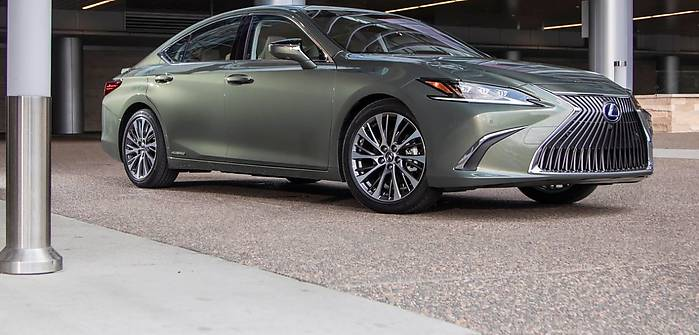 Lexus ES wkracza do Europy