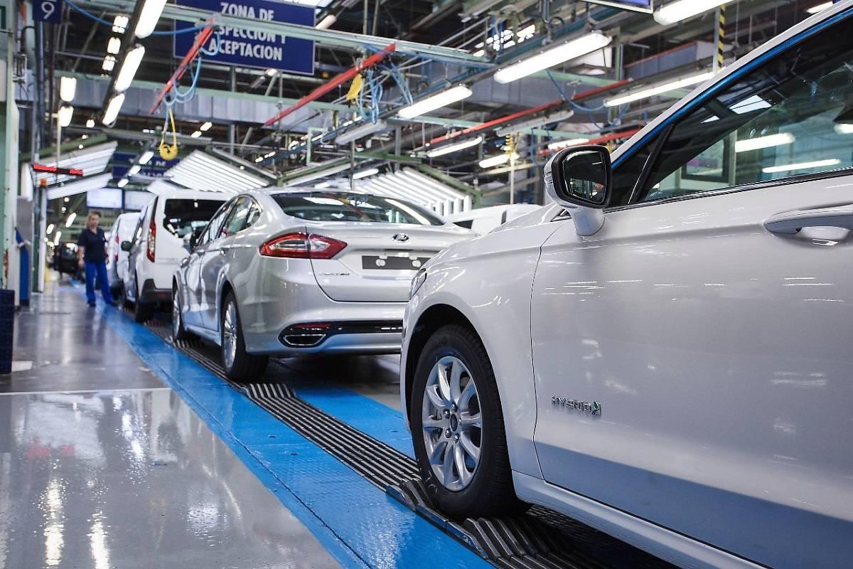 Ford Mondeo Hybrid w nowej wersji