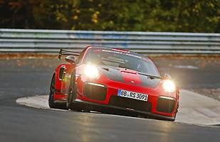 Porsche 911 GT2 RS z rekordem Nurburgringu