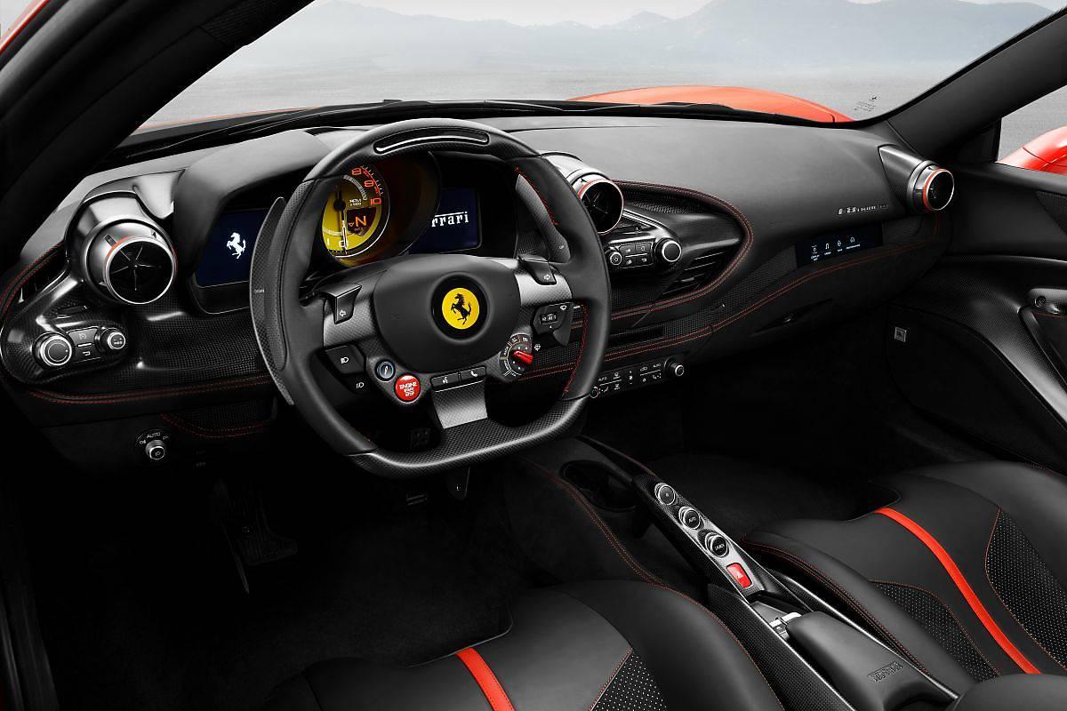 Ferrari F8 Tributo. Hołd dla V8!