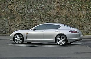 Prototyp Porsche Mirage - z tego pojazdu zrodziła się Panamera