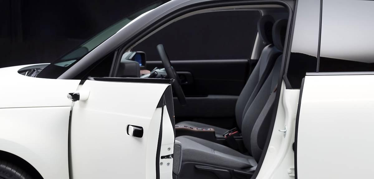 Honda e z kamerami zamiast lusterek