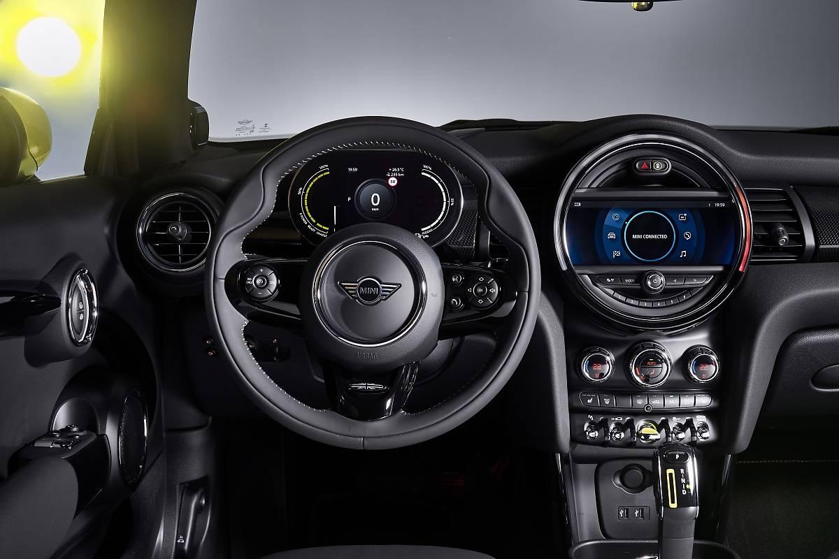 Mini Cooper SE. Pierwsze elektryczne!