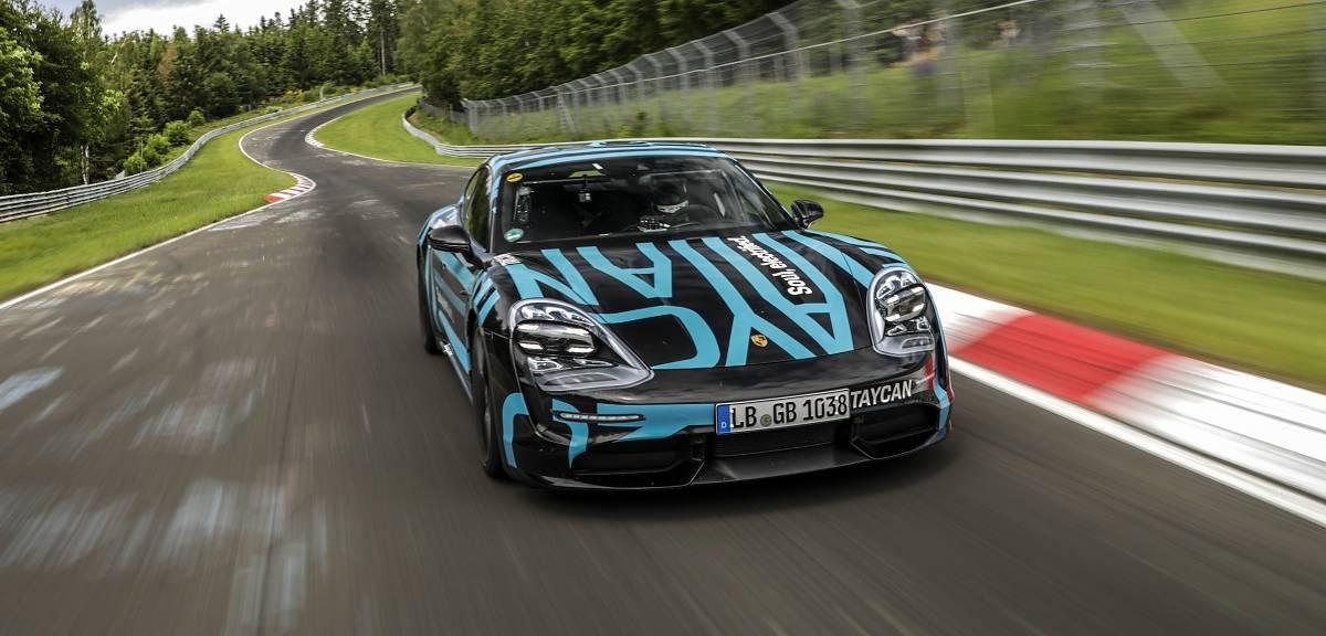 Porsche Taycan na torze Nurburgring