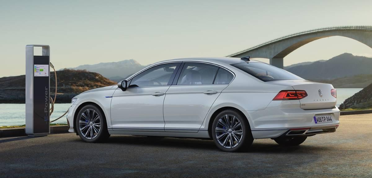 Volkswagen Passat GTE po zmianach. Ceny