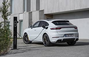 12 hybryd plug-in Porsche