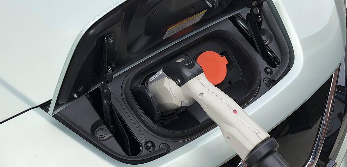 Dopłat do aut elektrycznych na razie nie będzie