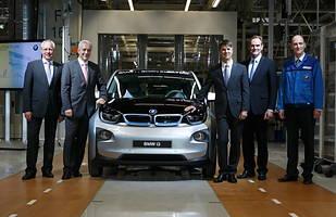 BMW i3 ma już sześć lat. A sprzedaż rośnie