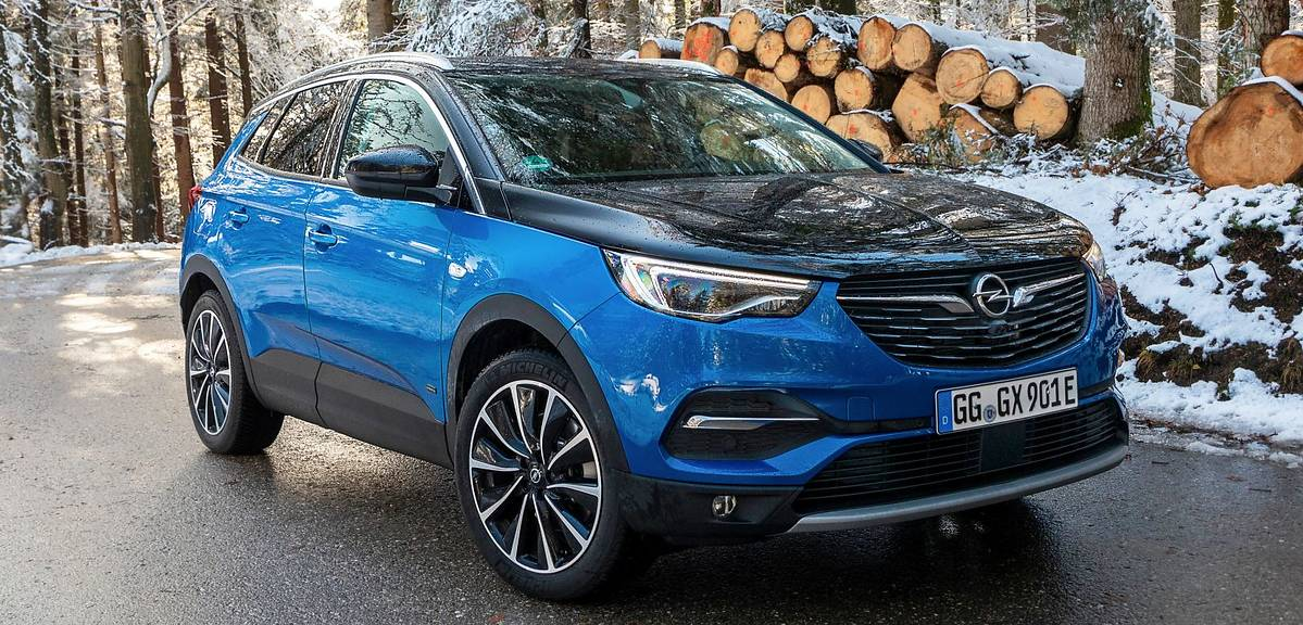 Opel Grandland X Hybrid4 - polskie ceny