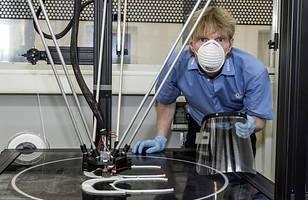 Volkswagen drukuje elementy masek dla służby zdrowia