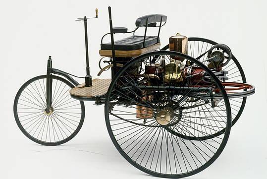 Ewolucje kierownicy na przykładzie Mercedesa