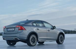 Volvo S60 cross-country