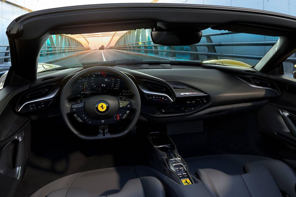 Ferrari SF90 Spider. Flagowy model bez dachu