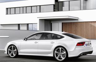 Prędkość maksymalna Audi RS7 Sportback może wynosić 305 km/h
