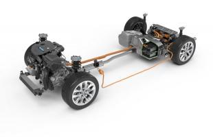 Układ napędowy BMW 225 xe