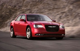 Chrysler 300 po liftingu jak Lancia Thema