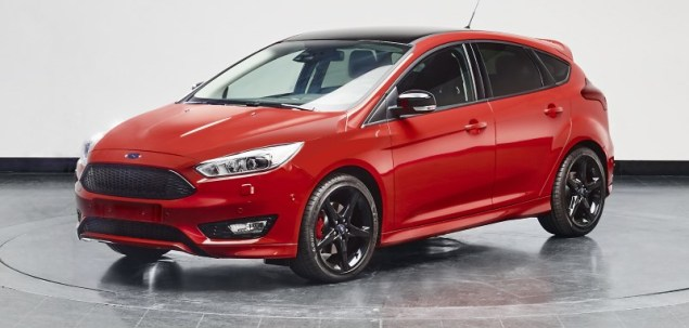 Ford Focus Red i Black Edition