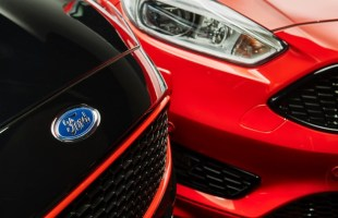 Ford Focus Black i Red Edition