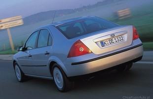 Ford Mondeo sedan to wersja rzadko spotykana