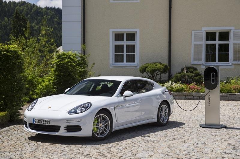 Ile pali Porsche Cayenne S E-Hybrid?