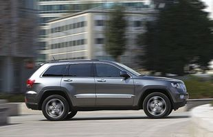 Jeep Grand Cherokee poległ na łosiu?