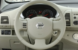 Kierownica w Nissanie Micra może... odpaść