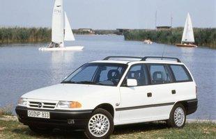 Opel astra kombi I generacji