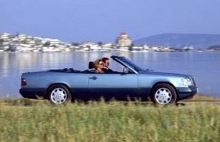 Mercedes klasy E Cabrio ma 25 lat