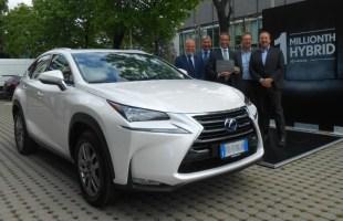 Milion samochodów hybrydowych Lexusa