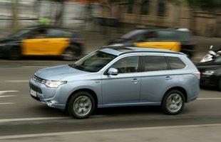 Mitsubishi Outlander PHEV. Świetna sprzedaż!