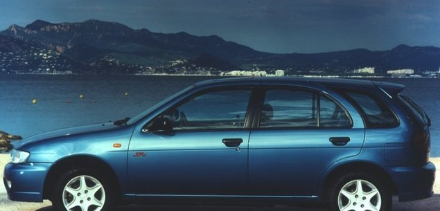 Nissan Almera I -  tylko ta rdza...