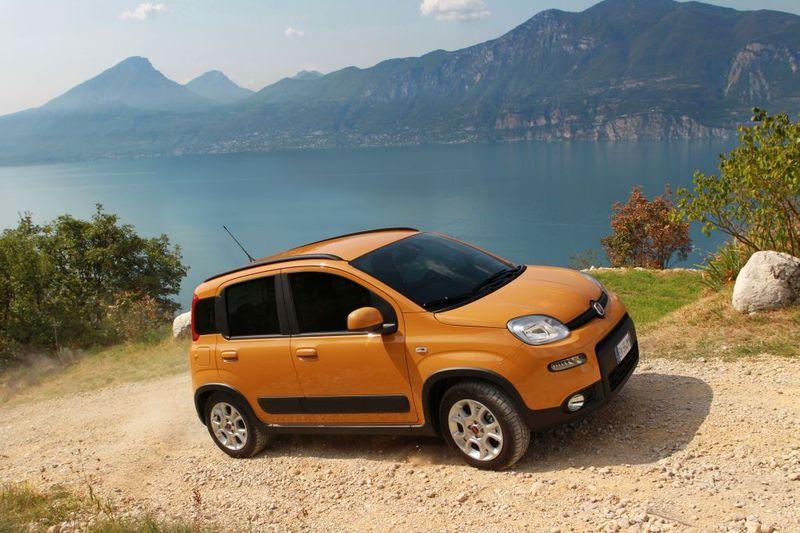 Nowe wersje Fiata Pandy. Na gaz i 4x4