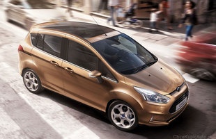 Nowy Ford sprzedażową klapą?
