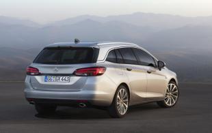 Opel Astra kombi. Nazywa się Sports Tourer