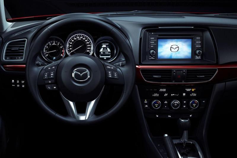 Topnotch Wnętrze nowej Mazdy6 - zdjęcie 15 - ChceAuto.pl TW58