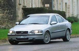 Poprzednie S60 przetrwało w ofercie rekordowe 9 lat. Mimo tego, auto wciąż wygląda elegancko i nowocześnie.