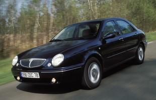 Lybra jest blisko spokrewniona z Alfą Romeo 156. To gwarancja rewelacyjnych właściwości jezdnych