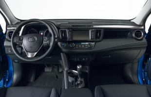 Toyota RAV4 już po liftingu. Także jako hybryda
