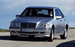 Najstarsze roczniki W202 sygnowane logiem AMG kupić można za mniej niż 20 tys. zł