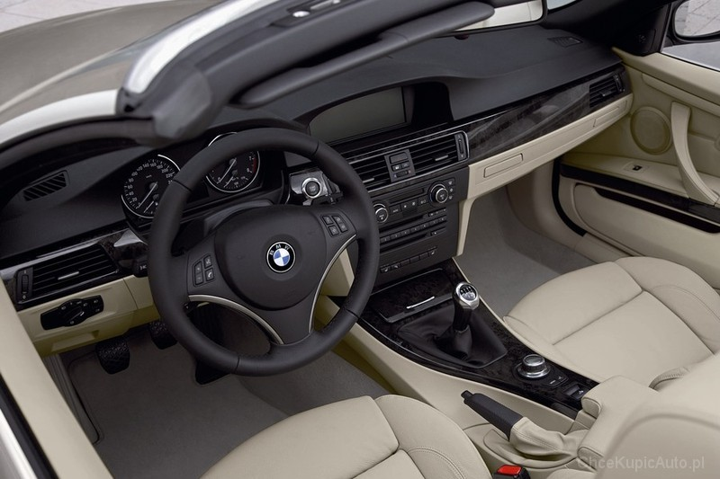 BMW 330d E93 231 KM