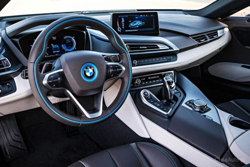 BMW i8 1.5 326 KM