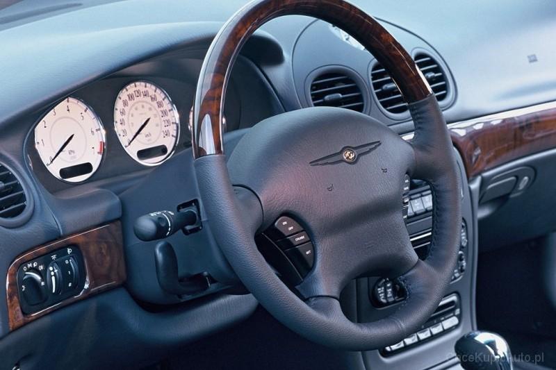 Chrysler 300M 3.5 253 KM