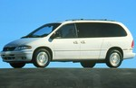 Chrysler Town and Country III 3.3 158 KM