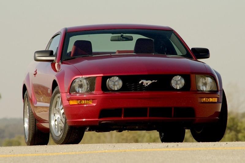 Ford Mustang V 4.6 300 KM