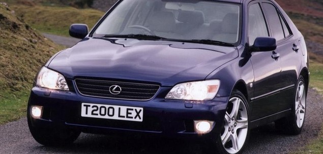 Lexus IS I 200 155 KM