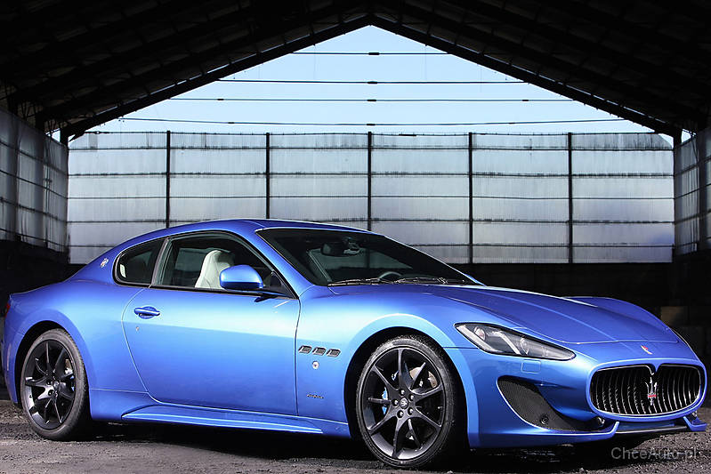 Maserati GranTurismo V8 405 KM